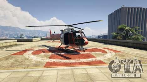 Вертолёт Buckingham Maverick находится на крыше госпиталя