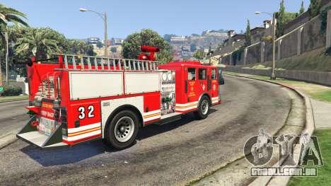 caminhão de bombeiros vista posterior