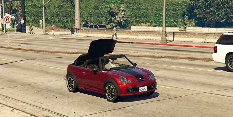 Para fechar o teto do carro em GTA 5
