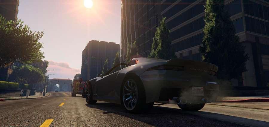 Para abrir o teto do carro em GTA 5