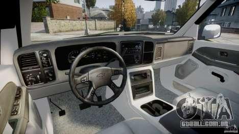 Chevrolet Suburban Z-71 2003 para GTA 4 vista de volta