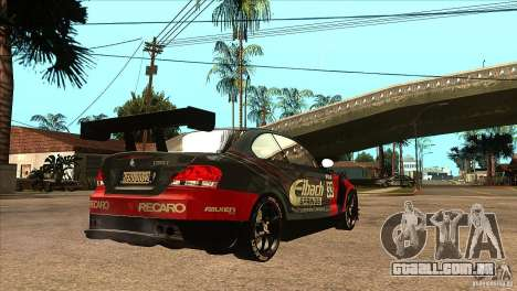BMW 135i Coupe GP Edition Skin 2 para GTA San Andreas vista direita