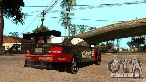 BMW 135i Coupe GP Edition Skin 2 para GTA San Andreas vista direita