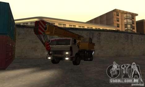 MAZ caminhão guindaste para GTA San Andreas vista traseira