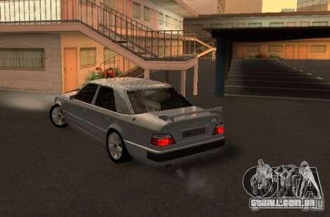 Mercedes-Benz E500 Taxi 1 para GTA San Andreas traseira esquerda vista