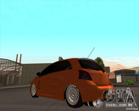 Toyota Yaris II Pac performance para GTA San Andreas esquerda vista