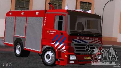 Mercedes-Benz Actros Fire Truck para GTA San Andreas esquerda vista