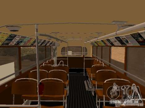 Ikarus 60 para GTA San Andreas vista interior