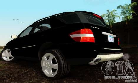 Mercedes-Benz ML500 para GTA San Andreas esquerda vista