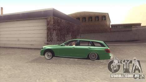 Mercedes-Benz E-Class Estate S212 para GTA San Andreas vista direita