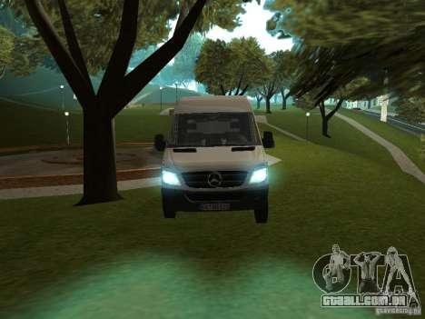 Mercedes Sprinter 311CDi beta para GTA San Andreas traseira esquerda vista