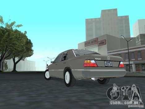 Mercedes-Benz 250D para GTA San Andreas traseira esquerda vista