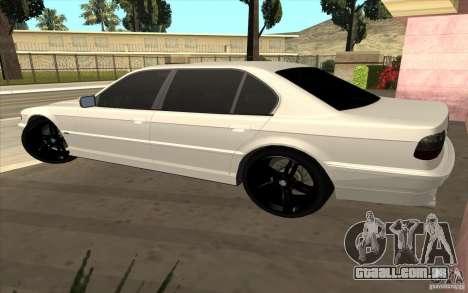 BMW 750iL E38 para GTA San Andreas vista direita