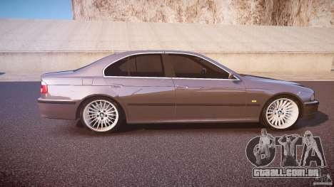BMW 530I E39 stock white wheels para GTA 4 vista interior