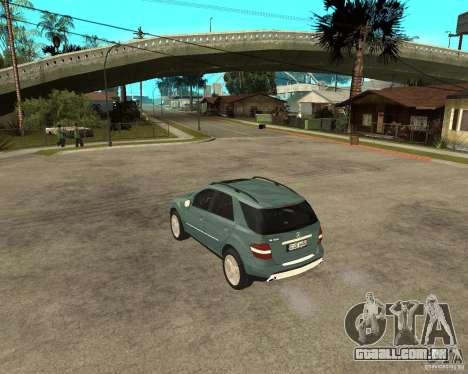 Mercedes-Benz ML 500 para GTA San Andreas traseira esquerda vista