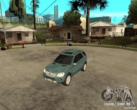 Mercedes-Benz ML 500 para GTA San Andreas esquerda vista