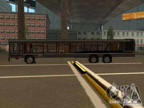 Maz 107.066 para GTA San Andreas vista traseira