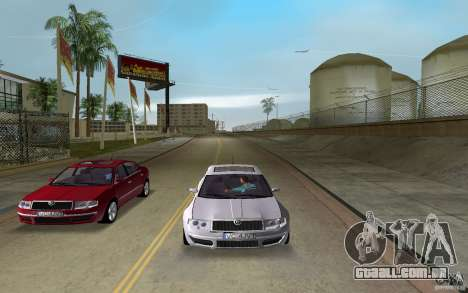 Skoda Superb 2.2 v.4 final para GTA Vice City vista traseira esquerda
