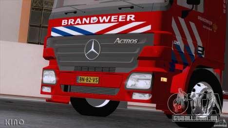 Mercedes-Benz Actros Fire Truck para GTA San Andreas vista interior