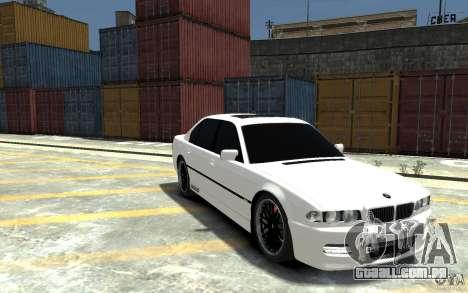BMW 750i E38 HAMANN para GTA 4 vista de volta