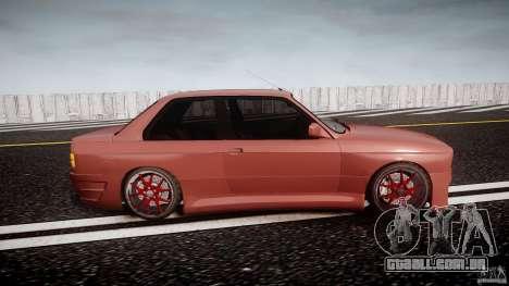 BMW E30 v8 para GTA 4 vista interior