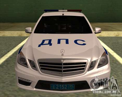 Mercedes-Benz E63 AMG W212 para GTA San Andreas traseira esquerda vista