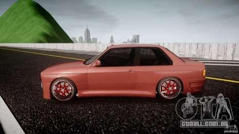 BMW E30 v8 para GTA 4 esquerda vista