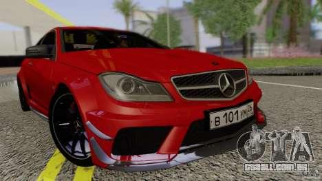 Mercedes Benz C63 AMG Black Series 2012 para GTA San Andreas vista direita