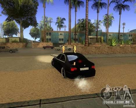 BMW 525i e39 para GTA San Andreas traseira esquerda vista