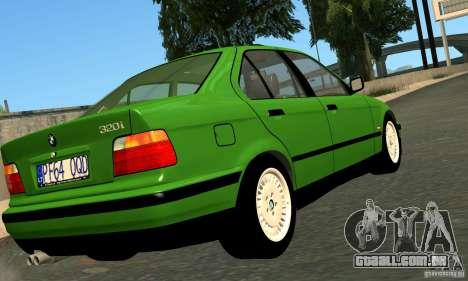 BMW E36 320i para GTA San Andreas traseira esquerda vista