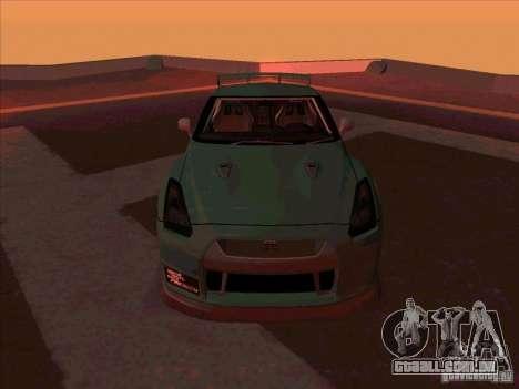 Nissan GT-R R35 rEACT para GTA San Andreas vista traseira