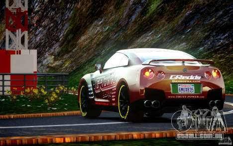 Nissan GT-R Black Edition GReddy para GTA 4 vista direita