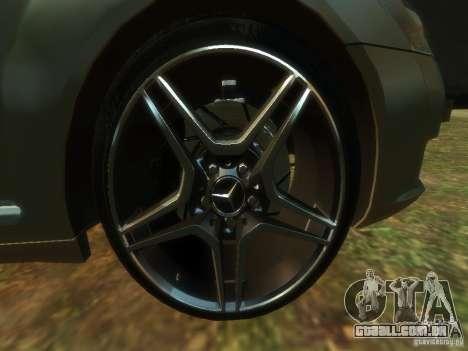 Mercedes-Benz W221 S500 para GTA 4 vista de volta