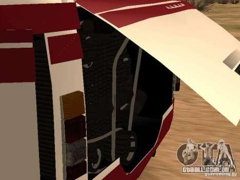 LAZ 695 para GTA San Andreas vista traseira