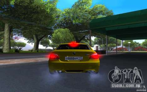 BMW M5 Gold Edition para GTA San Andreas vista traseira