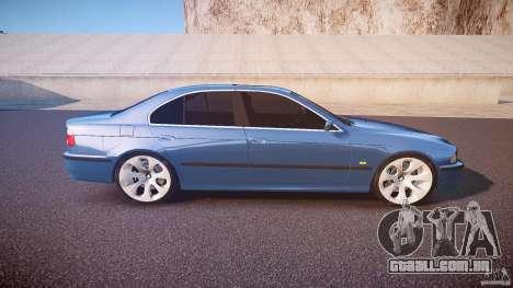 BMW 530I E39 e63 white wheels para GTA 4 vista lateral