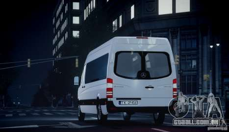 Mercedes-Benz Sprinter Long para GTA 4 vista direita