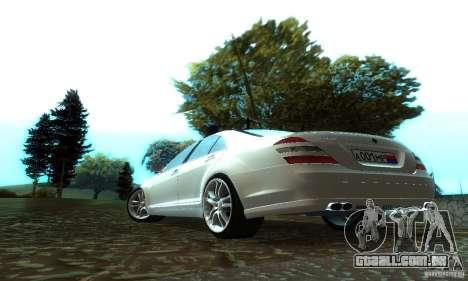 Mercedes-Benz S500 W221 Brabus para GTA San Andreas traseira esquerda vista