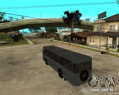 LIAZ 677 para GTA San Andreas esquerda vista