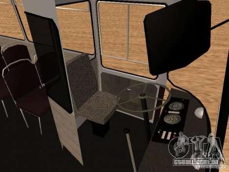 LAZ 695 para GTA San Andreas vista interior