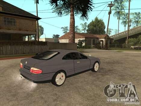 Mercedes-Benz CLK320 Coupe para GTA San Andreas vista direita
