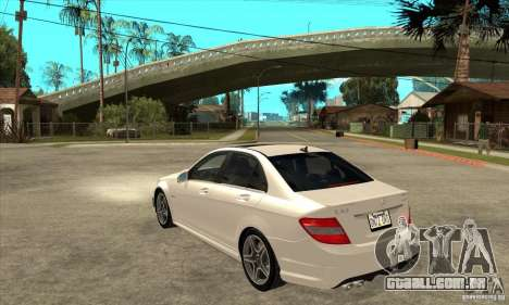 Mercedes-Benz C63 AMG 2010 para GTA San Andreas vista inferior