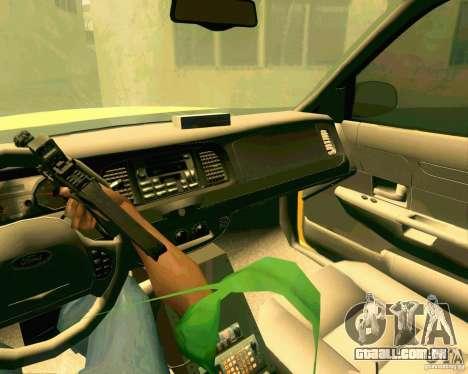 Ford Crown Victoria 2003 NYC TAXI para GTA San Andreas vista interior