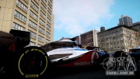 McLaren MP4-27 para GTA 4 esquerda vista