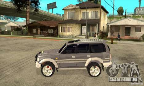 Toyota Land Cruiser 80 para GTA San Andreas esquerda vista