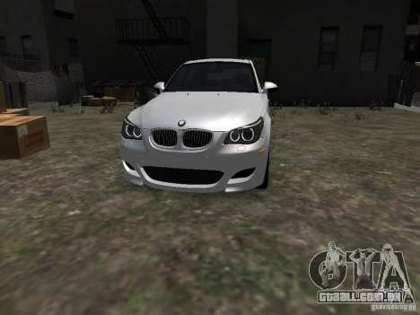 BMW M5 para GTA 4 vista de volta