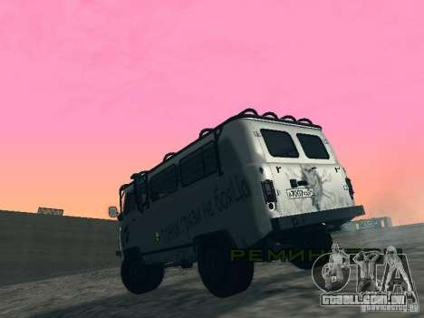 UAZ 2206 para GTA San Andreas vista traseira