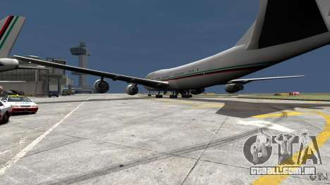 Real Emirates Airplane Skins Flagge para GTA 4 esquerda vista
