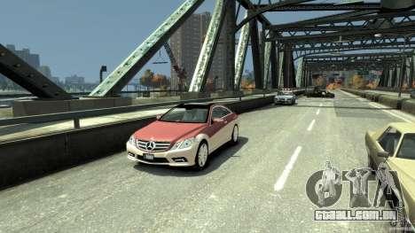 Mercedes-Benz E 500 Coupe V2 para GTA 4 esquerda vista