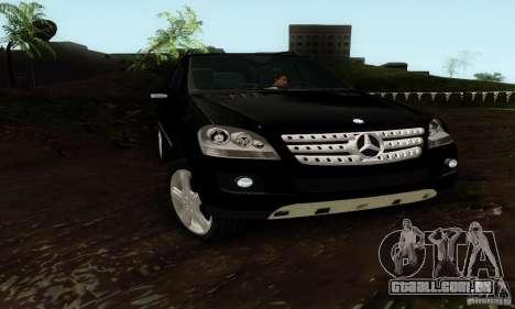 Mercedes-Benz ML500 para GTA San Andreas vista direita